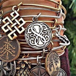 🌿Alex and Ani Path of Life Bracelet- NWT🌿